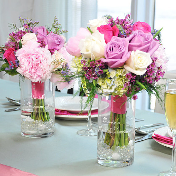 An online flower retailer that allows customers to add greetings along with the flower and also specify the message on the flower vase.